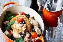CookingLife | Le Creuset / Sinds 1925 vervaardigt Le Creuset topkwaliteit braad- en stoofpannen met hun unieke, kenmerkende design. Le Creuset heeft naast hun befaamde assortiment bijpassende producten voor verschillende bereidingen van hoogstaande kwaliteit.