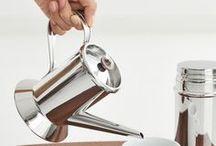 CookingLife | Alessi / Alessi maakt al sinds 1921 de mooiste design accessoires. Het Italiaanse merk wordt dus al jaren geroemd om de functionele en strakke ontwerpen met een eigentijds design.