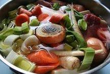 Suppen und Eintöpfe / Suppen und Eintöpfe sind preiswert in der Zubereitung und lassen sich gut vorbereiten. Endlich etwas, was man gerne auslöffelt...
