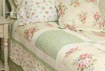 Házikó & Co. / Romantikus, vidéki, country stílusú ágytakarók, takarók, párnák. Gyönyörű papír kiegészítők. Vintage, shabby chic, Landhausstil, country...