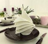Tischdecken und Tischwäsche aus wertvollem Halbleinen / Halbleinen Tischdecken in bester Qualität von TiDeko®. Die Halbleinen Tischwäsche in schönsten Farben gibt es exklusiv nur bei Tischdecken-Shop.de. Garantierte Exklusivität für daheim. Entdecken Sie jetzt Halbleinen Tischdecken in weiss, schwarz, anthrazit, rot, gelb oder zartem rosa.