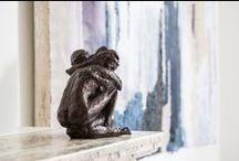 Jacques Vanroose: Beelden Brons / Een ruime collectie bronzen beelden van de Vlaamse kunstenaar Jacques Vanroose die zowel binnen als buiten kunnen geplaatst worden. De sculpturen zijn telkens gelimiteerde oplages, getekend en genummerd en zorgen gegarandeerd voor een kunstzinnige blikvanger in uw interieur of tuin.