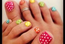Toesies / Cute, fun, fashionable, trendy pedis we love.