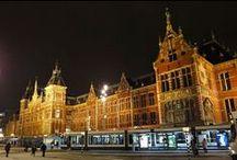 Monumentale openbare gebouwen / Nederlandse openbare gebouwen met de status van monument.   Geschikt om te huren voor bijvoorbeeld bruiloft, filmopname of woning.
