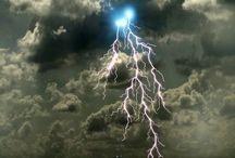LIGHTNING / One of nature's best work of art, LIGHTNING ( but it Still can be dangerous