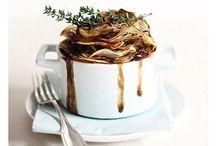 Gastronomia / A Gastronomia é poesia em forma de sabor, é uma arte em forma de amor.