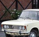 Fiat 125p / FSO 125P - historia w fotografii / Włoska licencja a jednak nasz, czyli Polski Fiat 125p.  Polski Fiat 125p – samochód osobowy klasy średniej produkowany w FSO od 28 listopada 1967  do 29 czerwca 1991 na podstawie umowy licencyjnej z włoską firmą FIAT z 1965 roku. Po wygaśnięciu licencji w 1983 roku nazwę zmieniono na FSO 125p.
