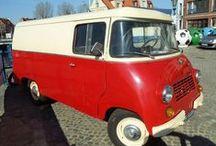 ZSD Nysa - historia w fotografii / ZSD Nysa – polski samochód dostawczy, produkowany w latach 1958 – 3 luty 1994 przez Zakład Samochodów Dostawczych w Nysie. Opracowany był na bazie Warszawy, mając wspólne z nią podwozie, silnik (początkowo dolnozaworowy M-20, później górnozaworowy S-21), układ jezdny oraz elementy nadwozia.