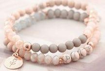 Gemstones & glass beads bracelets / Ásvány-és üveggyöngyből készült karkötők