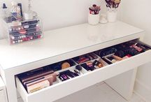 Makeup + Organisation