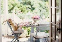 Farmhouse Porch / Gorgeous farmhouse porch inspiration for our old farmhouse porch restoration project!