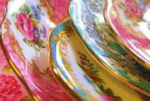 Pretty twist / Vintage florals in bright pop colours