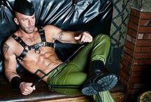 In pelle abiti 1.Leather man