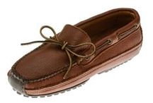 Men's Moosehide Moccasins - Minnetonka  / Guaranteed low prices for Minnetonka Men's Moosehide Moccasins: Soft, supple, genuine moosehide. Fully padded insole with lightweight flexible rubber sole. We have many styles of Minnetonka moosehide shoes including fringed kilty, classic and softsole mocs. We guarantee that our prices are the absolute lowest you will find anywhere on the internet. If you find the same moccasin at a lower price from a competing website, we will refund the price difference + 10%. Free shipping on 2/more pair / by MoccasinsDirect.com