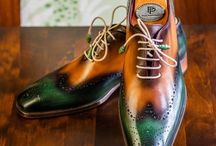 Wingtips / Wingtip shoes feature a toe cap that comes to a point in the center, and spreads out toward the sides of the shoes, in a shape that somewhat resembles wings.