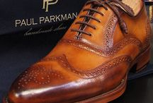 Brogues / Brogues are the shoes with any perforation on upper. The popular brogues are cap-toes and wingtips. Style origin is Britain and it is a classic for all times menstyle.
