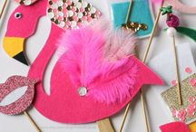 PHOTO BOOTH / Beautiful photo booth props for parties, holidays and events!