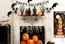 HALLOWEEN RECIPES / The best Halloween all in one place!  Includes festive recipes for food, appetizers, snacks, desserts, sweets, treats, mocktails, beverages and drinks.