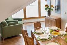 Apartament Na Szczycie / Apartament Na Szczycie, to najwyżej położone mieszkanie na poddaszu z najpiękniejszymi widokami na Tatry Zachodnie, oraz okolicę. Wypoczywając w naszym apartamencie poczują się Państwo jak na szczycie góry, stąd też nazwa apartamentu. więcej na:http://bit.ly/1oB83U7