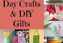 Crafts - Mama/Daddy Day / by Krystle R