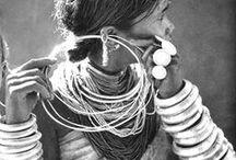 Jewellery / Jewellery, gold, diamonds, rings, earrings, bracelets, necklaces, silver, blue.
