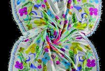 Southern Horizon / #FRAAS verzaubert Sie mit ausdrucksstarken farbigen #Prints,  veränderten traditionellen #Mustern und kräftigen, mit weiß gedämpften Farben, die man auf den meisterhaften Murals in Mittelamerika findet. Großformatige Styles aus #Viskose oder #Baumwolle bestechen durch ihre hohe Farbbrillanz. #Luxuriöse Materialien wie #Seide und #Modal überzeugen durch ihren leichten und eleganten Tragekomfort.  #FRAAS - THE #SCARF COMPANY store.fraas.com