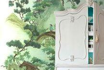 Chinese Girl / - Tendances 2016/2017 -  A l'ombre d'un cerisier, se tient une jeune femme emplie de finesse et de sensualité. Une ombrelle à la main, elle s'adonne au jeu subtil du caché/dévoile, tandis que les pétales aux couleurs saturées s'éveillent et diffusent leur beauté travaillée. Tout en pudeur, la nature chinoise apparait sous son plus beau jour...