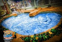 Top Indoor Waterparks in the United States / Check out the top indoor Waterparks in the U.S. So that your family can enjoy splashingly fun water rides all year round! A full list of all indoor water parks and many more ideas for kids activities are available on Yuggler, the community for family fun!