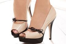 Tutte le scarpe che vorrei... :-) / by Roberta Auroralove