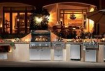 Outdoor Kitchen Projects / Add an outdoor kitchen to your outdoor living area and never go back inside!