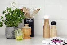 What's On Your Countertop? / Oh the things people keep on their counters... what's on yours?