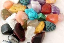 Healing Crystals/Crystals/Tumblestones / A selection of crystals and tumblestones