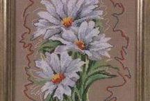 haft krzyżykowy rumianki