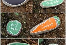 Lawn & Garden Projects / Bring making outdoors with these projects designed to spice up your lawn and garden.