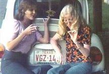 Jeans dos anos 70 / Prepare as bocas-de-sino e as dancinhas: o jeans dos anos 70 pede muito agito. Um painel para se falar da história do jeans.