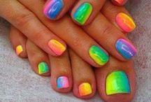 Pretty Nails / by Vicki Baumer
