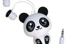 Kicz czy może jednak nie ? / Ponieważ ostatnio wszędzie widzę pandy, nie mogłam się powstrzymać. Oto tablica, na której będziemy się zastanawiać, który projekt budynku, koszulki bardziej się nam spodobał a może za 10 lat zrealizujemy pomysł na biuro i firmowe ciuchy :)