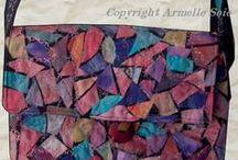 mes sacs / Vous trouverez ici mes créations textiles en soies que j'ai préalablement peintes ou en art textile et beaux tissus épais. Tous les sacs sont doublés et bien que réalisés en matières textiles, ils  garderont la forme montrées sur la photo.