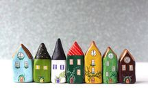 Clay: Li'l Home / some little clay houses