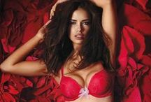 Adriana Lima / VS angel Adriana :)