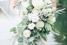 Green and Ivory / Wedding inspiration based on a green and ivory color palette.
