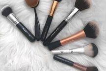 Makeup Brush Love