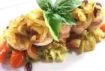 Secondi Piatti / Guida alla scelta di diversi tipi di secondi piatti con le relative caratteristiche ed il miglior impiego in cucina. Tante ricette di secondi piatti di carne, di pesce, vegetariani e con le uova.