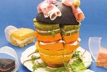 Buffet e Aperitivi / Tante idee e ricette per organizzare i vostri buffet e aperitivi. Dai classici tramezzini, rustici e pizzette ai più raffinati finger food, passando per dolcetti, mignon e piccole meraviglie della pasticceria salata. Ricette per buffet e aperitivi tutte da provare!
