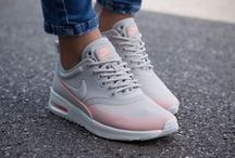 NIKE SHOES & OUTFITS