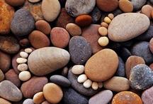 Kavics és fa (pebbles and wood)