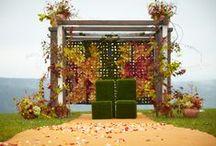 Fall Wedding / #fallwedding #arlamowwedding #autumnwedding #colorfulwedding #redgreenorangewedding #polandwedding #mountainwedding