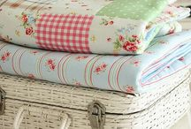Quilts and Patchwork / All things patchwork and quilting that I love! / by jenny of elefantz
