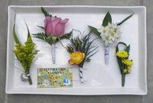Boutonnieres Bodas Caracas. AlegraCon Flores 04164138289 / Lindos  detalles florales para la solapa del novio. Mas sonrisas ...mas amor con Alegra Con Flores