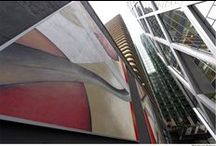 Guillaume Bottazzi - La Défense, Paris / Peinture de 215 m² au pied de la Tour D², dans le quartier de La Défense.  Polyptyque composé de 6 tableaux de 6 m x 6 m.